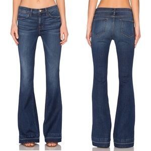 FRAME Denim Le High Flare in Colby Wash